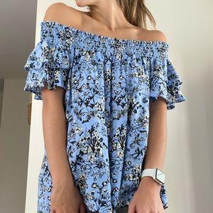 Off the shoulder floral top🦋
